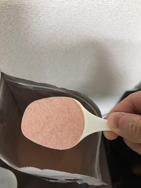 TARZAターザBCAA粉はサラサラですくいやすい